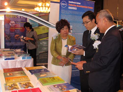 Press23Sep13_SEAFDEC-booth